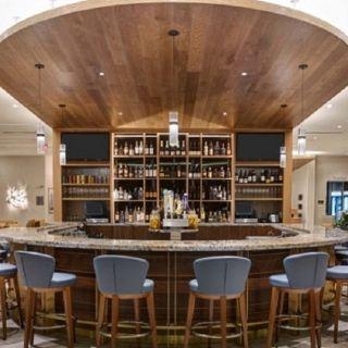 Shoreline Bar & Grilleの写真