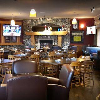 RiverHouse Pub
