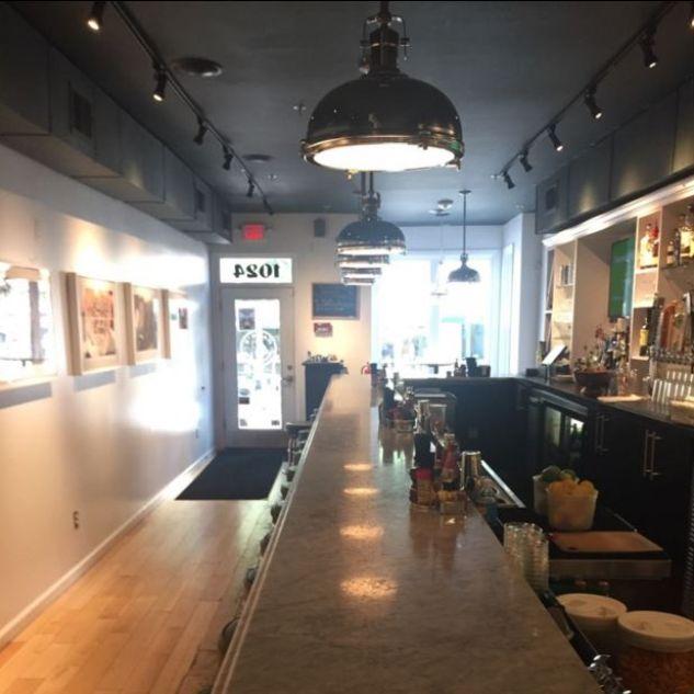 Hank S Oyster Bar Alexandria Restaurant Alexandria Va Opentable