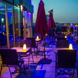 Foto von Luna Asian Bistro & Rooftop Lounge Restaurant