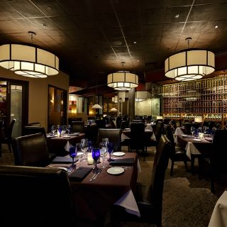 A photo of Perry's Steakhouse & Grille - Sugar Land restaurant