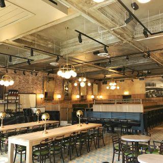 Foto von Explorateur Cafe, Restaurant & Bar Restaurant