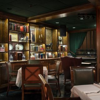 The Bombay Clubの写真