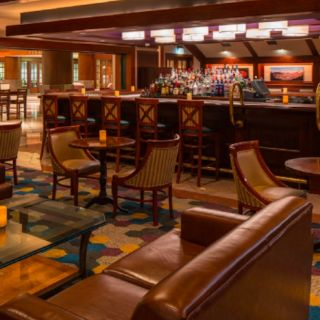 A photo of Long 9 at Crowne Plaza Springfield restaurant