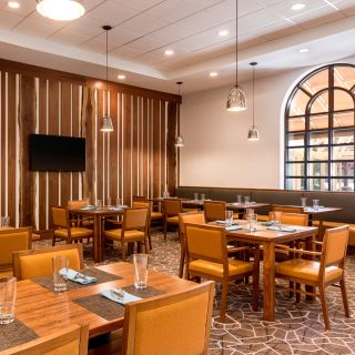 A photo of Craft 670 - Embassy Suites Greenville restaurant