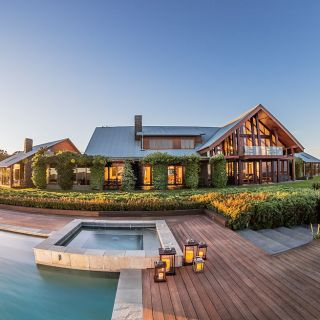 The Peak - Spicers Peak Lodge