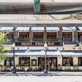 A photo of Hugo's Frog Bar & Fish House - Chicago restaurant