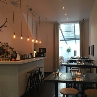 A photo of Lisa's Kitchen & Bar restaurant