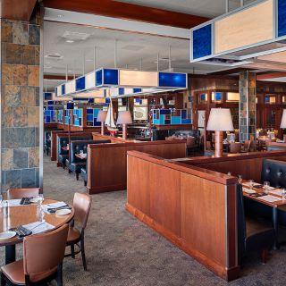 A photo of Legal Sea Foods - Burlington Mall restaurant