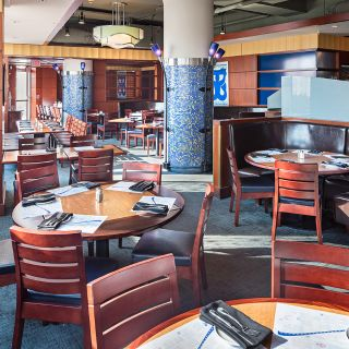 A photo of Legal Sea Foods - Long Wharf restaurant