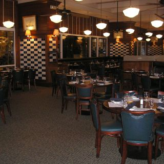 A photo of Legal Sea Foods - Tysons Corner - Permanently Closed restaurant