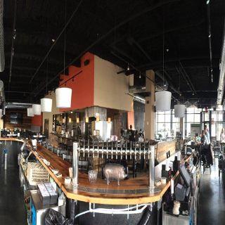 2 West Bar & Grilleの写真