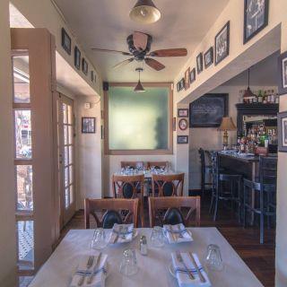 A photo of La Bonne Table restaurant