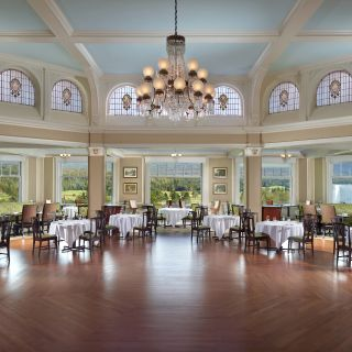 A photo of Main Dining Room at the Omni Mount Washington Resort restaurant