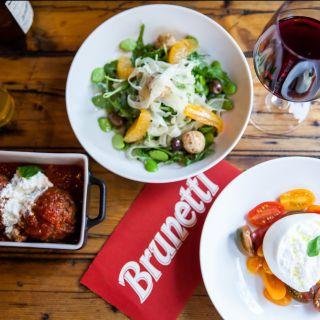 Foto von Brunetti Pizza - West Village Restaurant