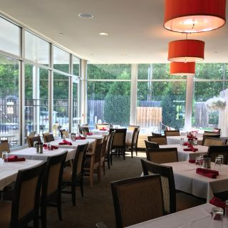 A photo of Reflect Bistro inside Cambria Suites restaurant