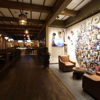 B-Lux Grill & Barの写真
