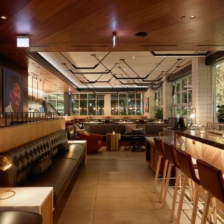 A photo of Earls Kitchen + Bar - Lincoln Park restaurant