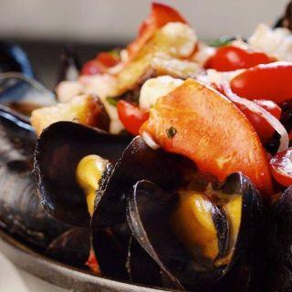 A photo of Flex Mussels - 13th Street restaurant