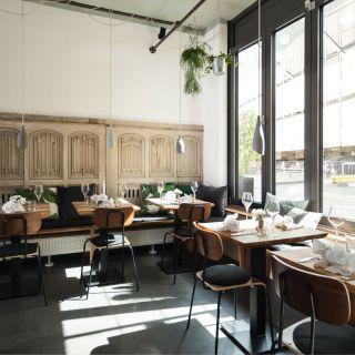 Foto von Einzimmer Küche Bar Restaurant