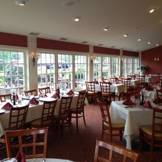 A photo of Plumsteadville Inn restaurant