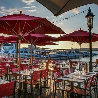 Een foto van restaurant Vola's Dockside Grill