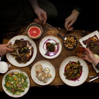 Foto von Proof•Reader Restaurant