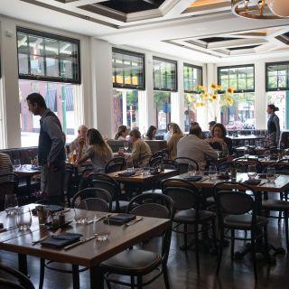 A photo of Summit House - Summit, NJ restaurant