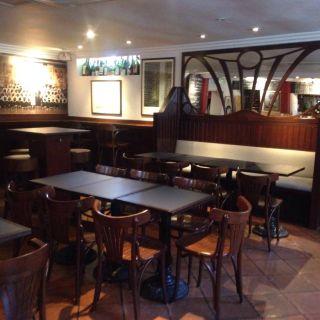A photo of Sous Le Nez restaurant