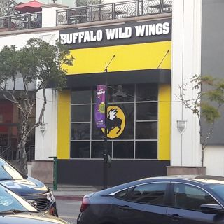 A photo of Buffalo Wild Wings - Glendale restaurant