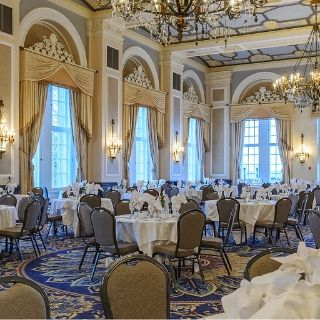 Foto von Sunday Brunch - Fairmont Hotel Macdonald Restaurant