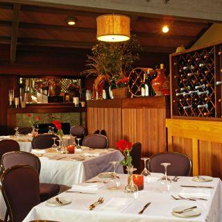 Foto von Bay View Restaurant - Inn at the Tides Restaurant