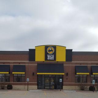 A photo of Buffalo Wild Wings - Springfield - Wabash Street restaurant