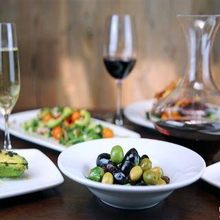 Los Olivos Wine Merchant & Cafeの写真
