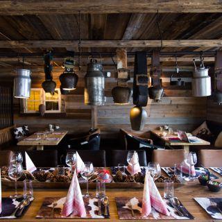 A photo of Almresi restaurant