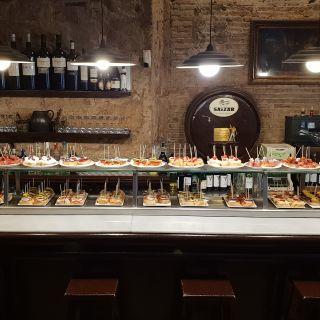 Foto von Txirimiri Restaurant