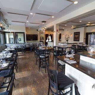 A photo of 100 Steps Kitchen + Raw Bar restaurant