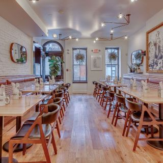Bernie's Restaurant & Bar - UCity