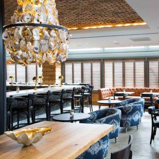 Pearl Restaurant and Bar at The Sam Houston Hotelの写真
