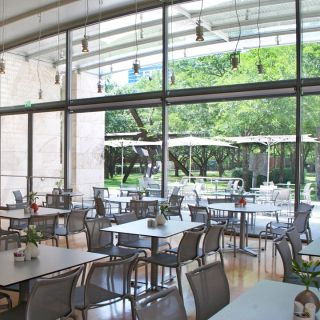 Nasher Cafe by Wolfgang Puckの写真