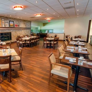 A photo of Spynn Restaurant - Holiday Inn Barrie restaurant