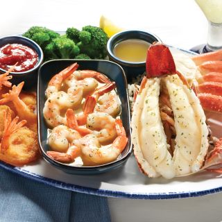 A photo of Red Lobster - Orlando - E Colonial Drive restaurant