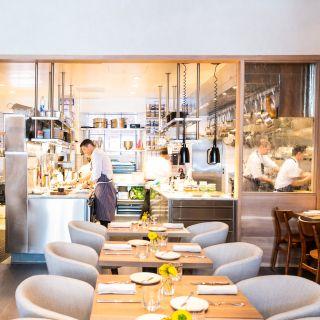 Foto von Gap Year at Nico Restaurant