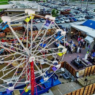 A photo of Ferris Wheelers Backyard and BBQ restaurant