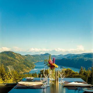 Alpina Restaurant at Villa Eyrie Resortの写真