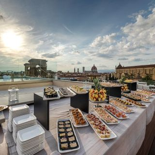 Empireo - Rooftop & Pool American Bar by Hotel Lucchesiの写真