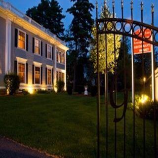 A photo of Gateways Inn and Restaurant restaurant