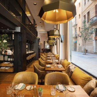 Una foto del restaurante Informal en The Serras Hotel