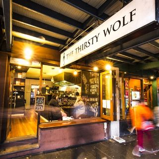 The Thirsty Wolfの写真