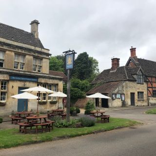 A photo of The Longs Arms restaurant